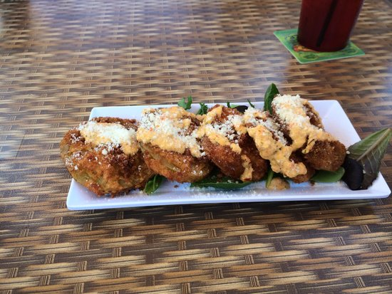 2nd Street Bistro: Fried green tomatoes