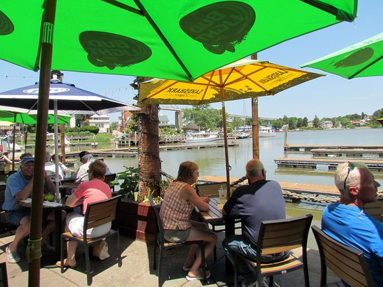Chesapeake Inn Restaurant and Marina: Lunch at the Inn