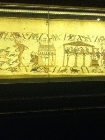 Musée de la Tapisserie de Bayeux: inside the museum