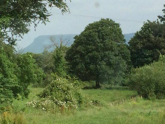 Teach Eamainn : View of Benbulben mountain from sitting room