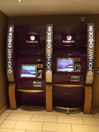 Premier Inn Edinburgh Airport (Newbridge) Hotel: The robot checks you in at this hotel.