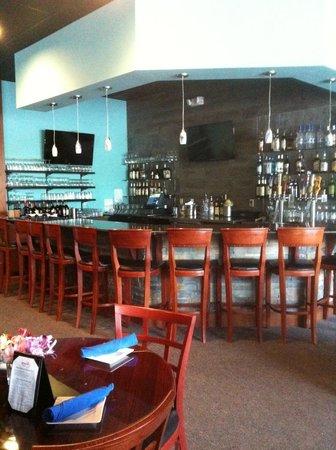 Blue Fish Restaurant: Bar area