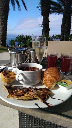 Pestana Casino Park Hotel : Hedonistic breakfast