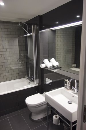 Old Town Chambers: Bathroom