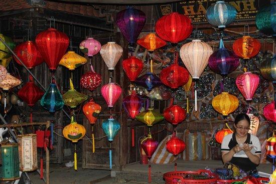 Hoi An Ancient Town: lantern stalls