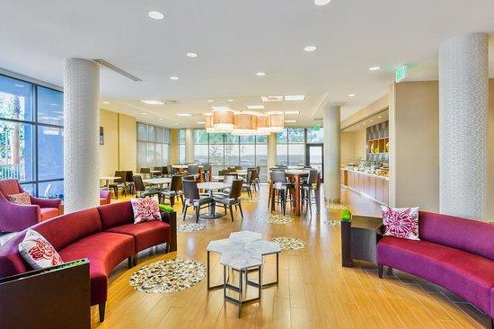 SpringHill Suites Anaheim Maingate: Breakfast Room