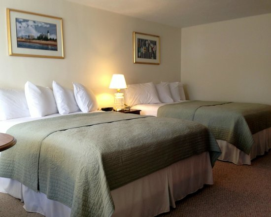 Craigville Beach Inn: Queen Room