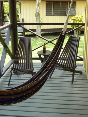 Windy Hill Resort : Cabin porch chairs