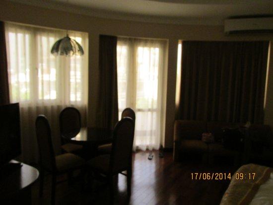 Huong Sen Hotel: Room1
