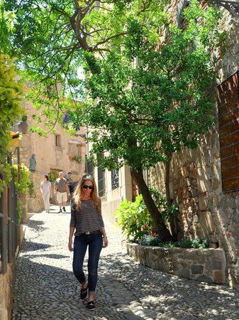 Vila Vella (Old Town): Strolling the Lovely Streets of Vila Vella ...( Old Town )