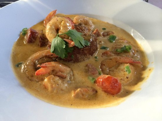LuLu's at The Thompson House: Shrimp and Grits