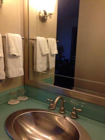 Crowne Plaza Hotel: Sink
