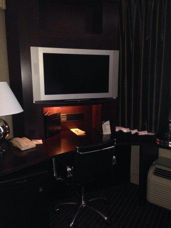 Crowne Plaza Hotel: Tv