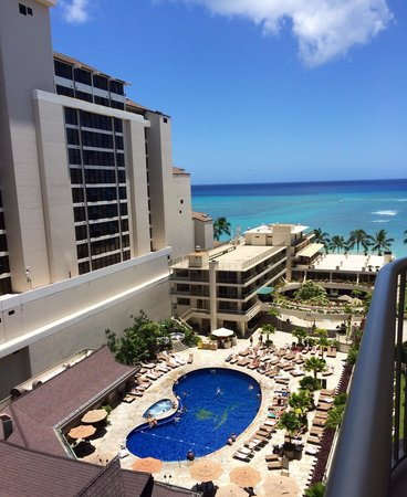 Outrigger Reef Waikiki Beach Resort: View from our partial ocean view room