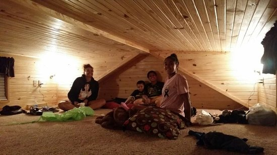 Yogi Bear's Jellystone Park Camp-Resort Hagerstown: The loft is huge