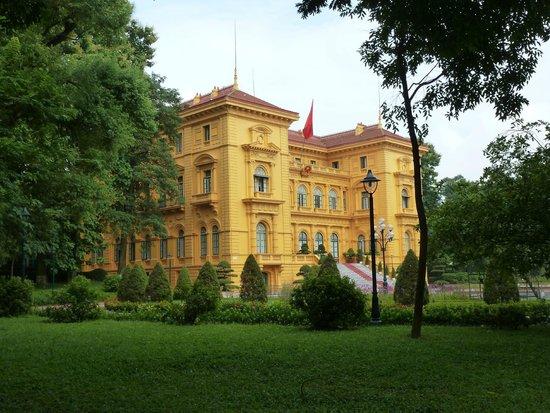 HanoiKids Tour: Presidential Palace