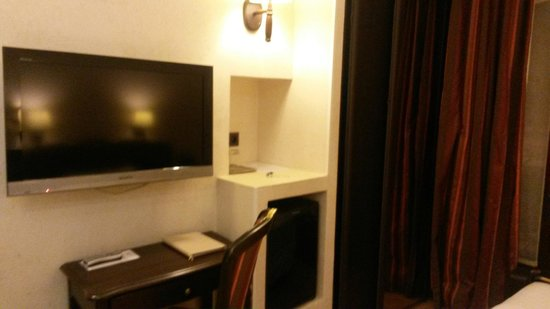 Hotel Europe Saint Severin: Apartamento