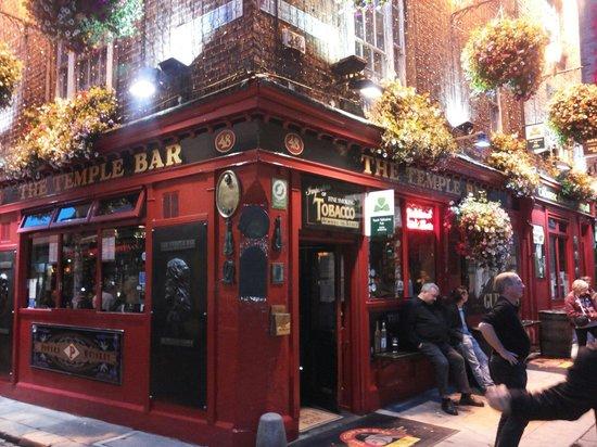 The Temple Bar: Temple bar
