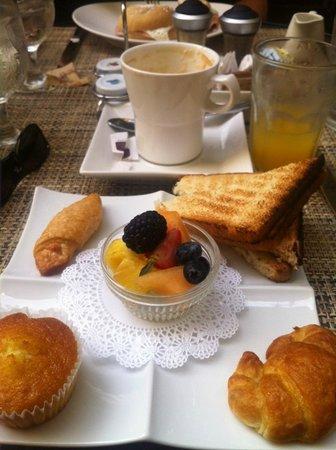 Hotel El Convento: Breakfast