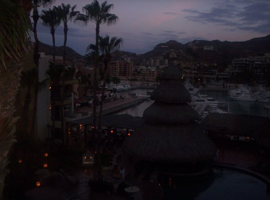 Marina Fiesta Resort & Spa: predawn hours from our balcony overlooking the pool and the marina...amazing