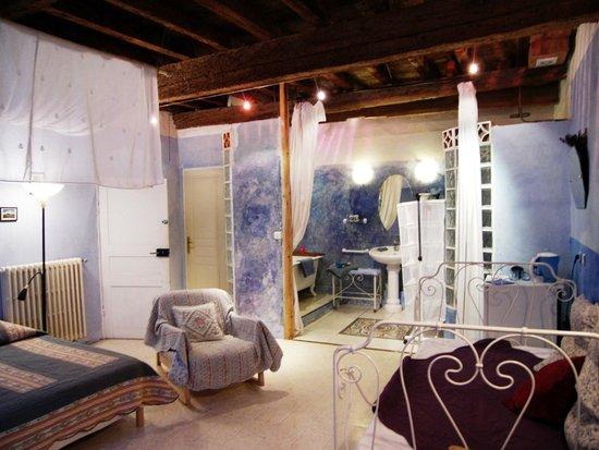 La Porte Bleue: Chambre Bleue - 1er étage