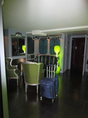 Hotel Design Sorbonne : Modern lobby