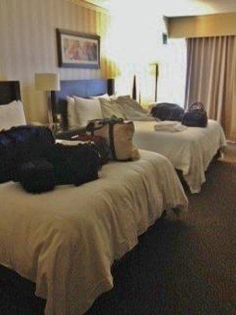 Hilton Columbus/Polaris: Hotel Room w/ @ Queen Beds