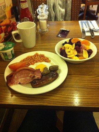 Premier Inn London Heathrow Airport (Bath Road) Hotel: Breakfast (Buffet style)