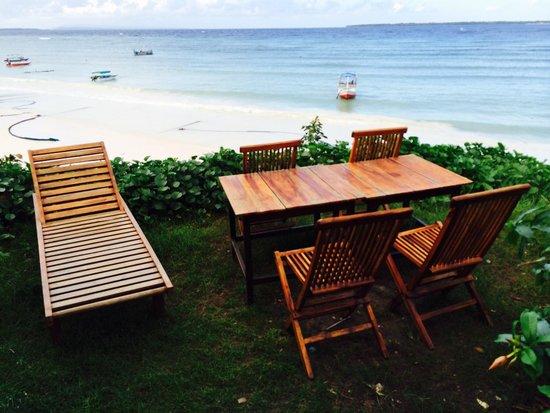 Anda Beach Hotel & Restaurant: Tempat bersantai