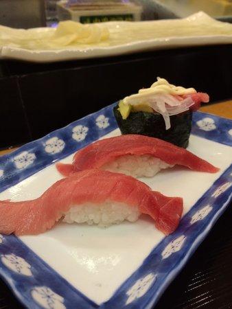 Sushizanmai Tsukijiekimae: Tuna set