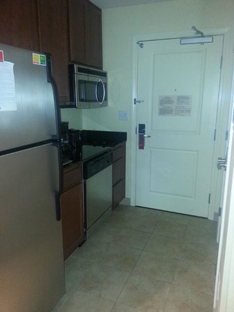 TownePlace Suites by Marriott Fort Worth Downtown: Kitchen area