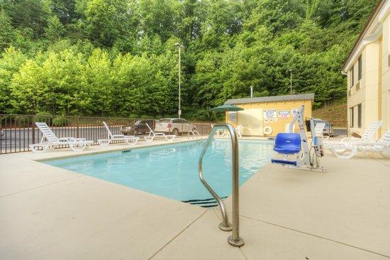 Sleep Inn Bryson City - Cherokee Area : Pool 4