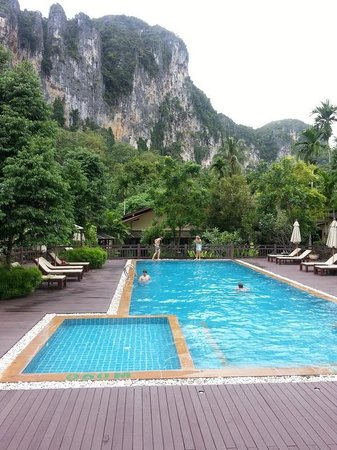 Aonang Phu Petra Resort, Krabi: pool