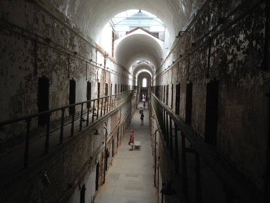 Eastern State Penitentiary: Two-story cellblock