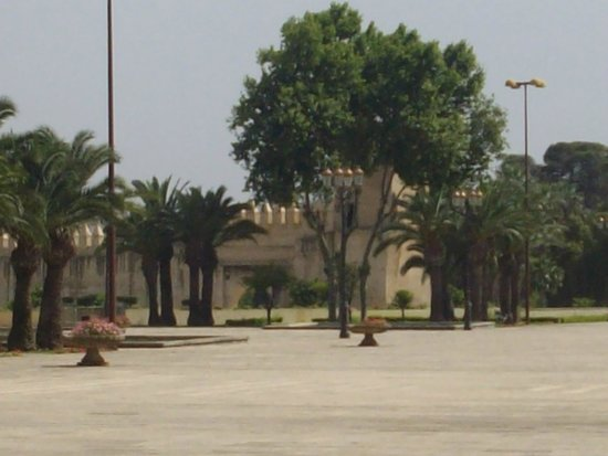 Royal Palace of Fez (Dar el Makhzen) : Royal Palace of Fes - Plaza
