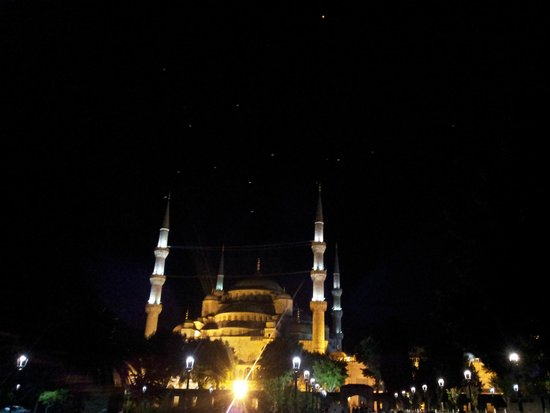 Blue Mosque: Vue de nuit...