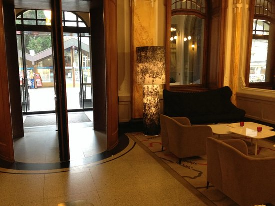 Hotel Royal St. Georges Interlaken - MGallery Collection : Entrada
