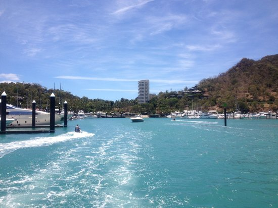 Hamilton Island Golf Club: Ferry over