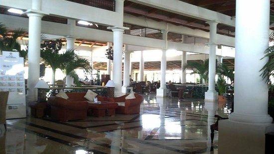 Grand Bahia Principe Bavaro: lobby