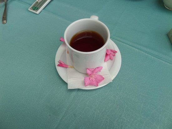 Green House Apart Hotel: Even a cup of tea with flowers.