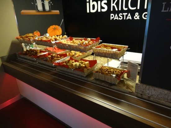 breakfast buffet picture of ibis milano centro milan