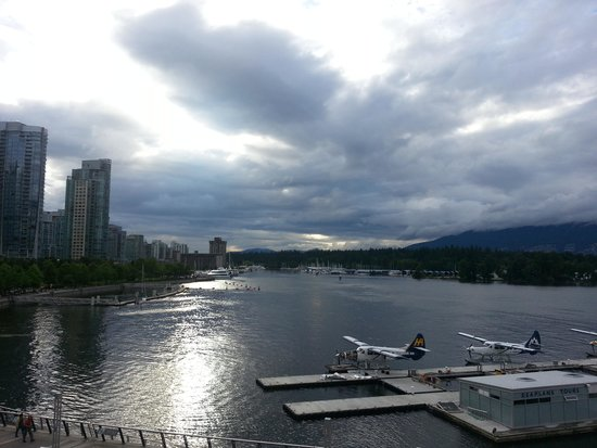 Cactus Club Cafe: View of Coal Harbour