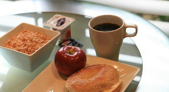 Le Chabrol Hotel & Suites : Espace petit déjeuner