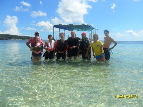 Dive Savaii: The underwater fun gang...