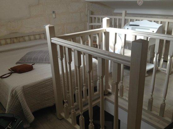 Logis Hotel de la Muette : Upstairs in the triple
