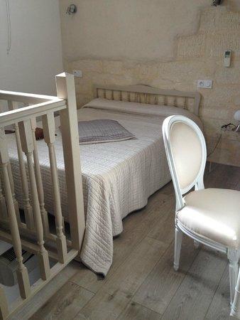Logis Hotel de la Muette : Upstairs of triple