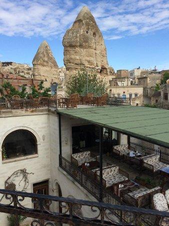 Hidden Cave Hotel: terrace
