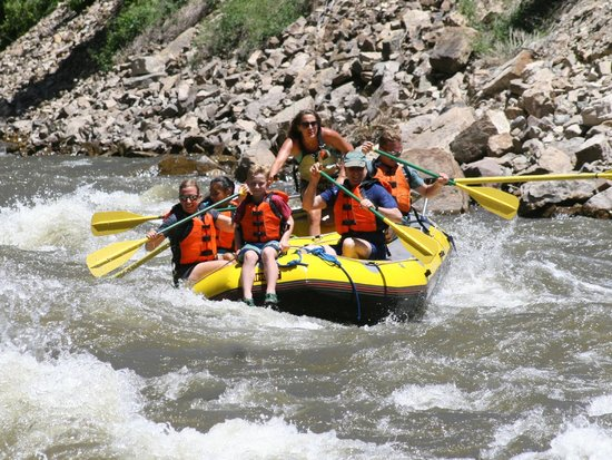 Whitewater Rafting, LLC : Riding the Rapids!!!