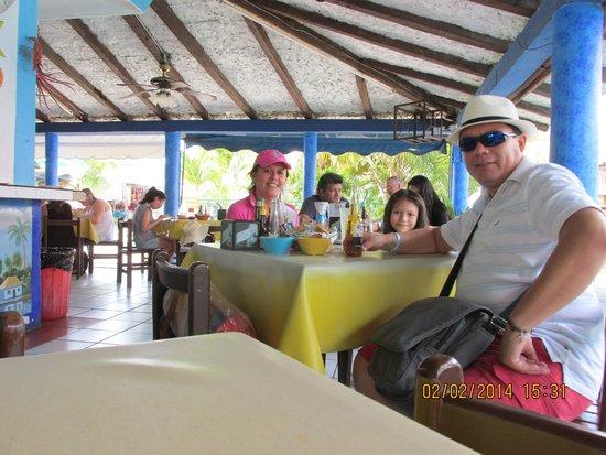 Mercado 28: mariscos frescos, buena atencion en el centro de cancun ciudad