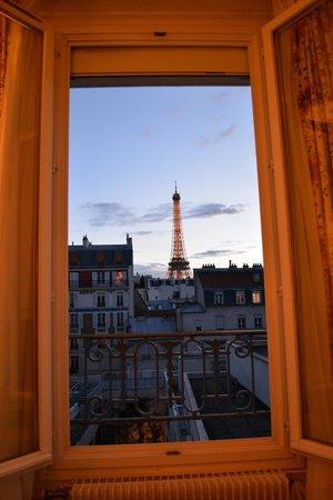 View From Our Room Photo De Hotel Jardins D Eiffel Paris